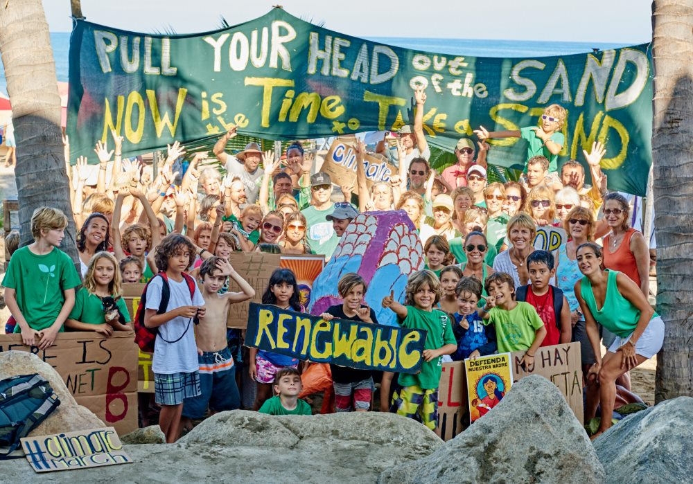 About 80 people gathered in on the main beach Sayulita, Mexico, on 29 November 2015 and demanded for world leaders at the COP21 to take a strong stand on climate change and the future of the planet. (Photo: Anne Ackerman/ 350.org)